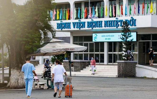 Bộ Y tế xác nhận 36 ca Covid-19 mới là nhân viên Bệnh viện Nhiệt đới TP.HCM ảnh 1