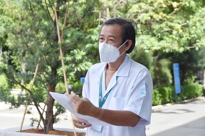 Giám đốc BV Nhiệt đới TP HCM nói gì về 52 nhân viên đã tiêm vaccine Covid-19 vẫn dương tính? ảnh 1