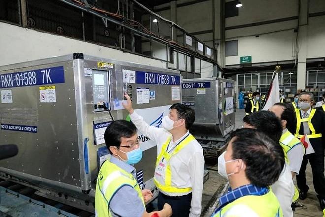 Gần 1 triệu liều vaccine Covid-19 của Nhật Bản tặng chuyển về TP HCM ảnh 2