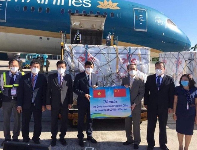 500.000 liều vaccine Vero-Cell của Sinopharm - Trung Quốc đã về Việt Nam ảnh 1