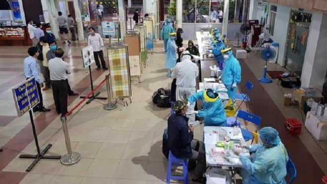 Trưa 7-7, thêm 400 ca Covid-19 mới, riêng TP. Hồ Chí Minh 347 bệnh nhân ảnh 1