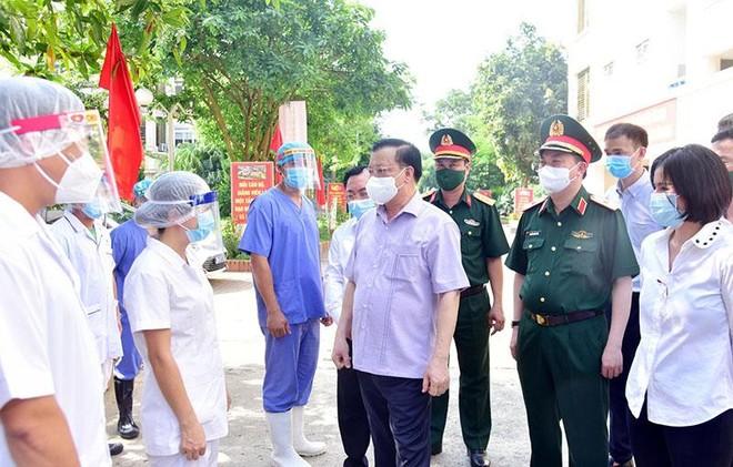 Bí thư Thành ủy Hà Nội kêu gọi người dân ủng hộ các biện pháp siết chặt một số dịch vụ ảnh 1