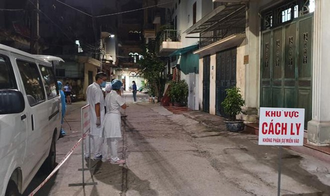 Hà Nội: Một trường hợp ở phố Trần Cung dương tính, phong tỏa 3 tòa nhà xung quanh ảnh 1