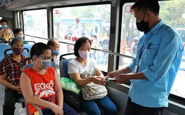 Hà Nội sẽ xét nghiệm toàn bộ lái xe, nhân viên soát vé xe buýt ảnh 1