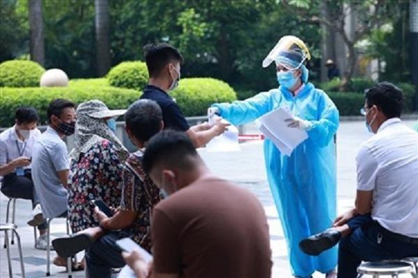 Hà Nội phát hiện 7 ca dương tính qua rà soát người sốt, ho trong cộng đồng ảnh 1