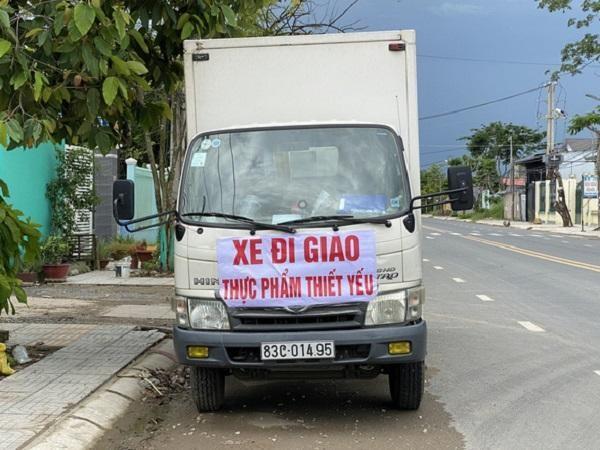 Tỉnh đầu tiên ở miền Tây tiêm vaccine cho tài xế, phụ xe chở hàng đường dài ảnh 1