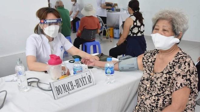 TP.HCM đặt mục tiêu tiêm mũi 1 vaccine Covid-19 cho 70% dân số trong tháng 8 ảnh 1