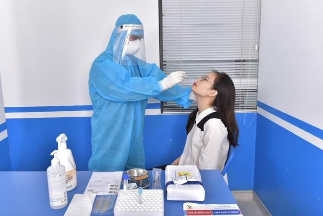 """Bộ trưởng Y tế """"hỏa tốc"""" huy động các bệnh viện tư tham gia tiếp nhận bệnh nhân Covid-19 ảnh 1"""