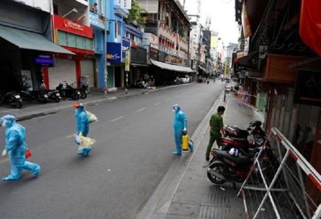 Trưa 31-7, Hà Nội công bố thêm 26 ca Covid-19 ở 13 quận, huyện ảnh 1