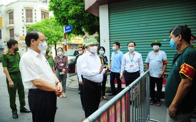 Bí thư Thành ủy Hà Nội: Khuyến khích doanh nghiệp duy trì hoạt động nhưng phải được phê duyệt ảnh 2