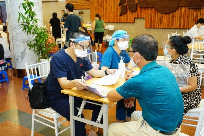Đã tiêm vaccine Covid-19 ở BV Bạch Mai nhưng chưa được cập nhật lên sổ sức khoẻ điện tử, cần làm gì? ảnh 1