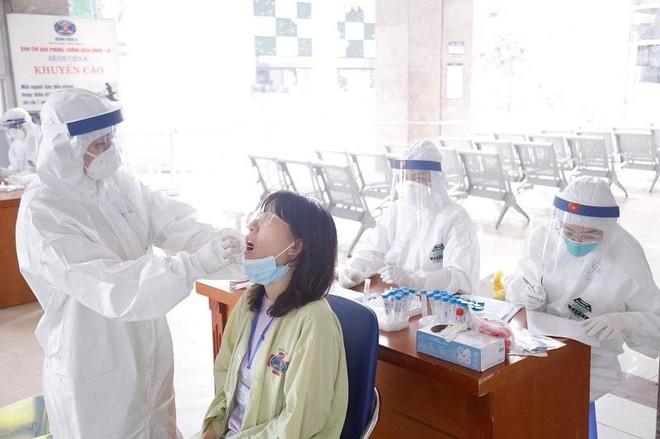 Bị chấn chỉnh, Bộ Y tế yêu cầu miễn phí xét nghiệm Covid-19 cho người bệnh đến bệnh viện công ảnh 1
