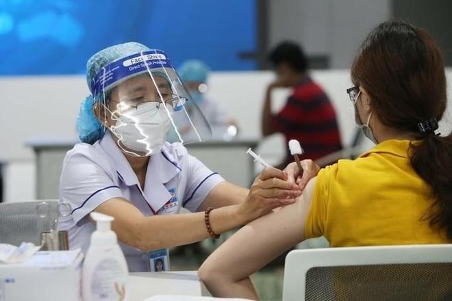 Hà Nội phân bổ 252.000 liều vaccine Pfizer, tiêm mũi 1 cho người trên 50 tuổi và thai phụ ảnh 1