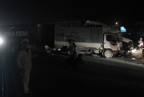 Tai nạn liên hoàn khủng khiếp trên quốc lộ 5 ảnh 1