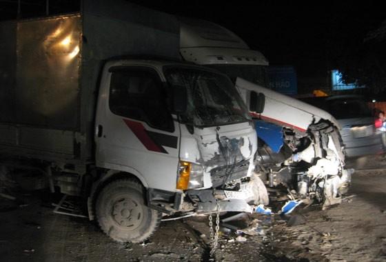 Tai nạn liên hoàn khủng khiếp trên quốc lộ 5 ảnh 4