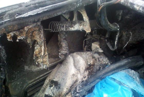 """""""Xế sang"""" Mercedes bốc cháy trên cầu Chương Dương ảnh 2"""