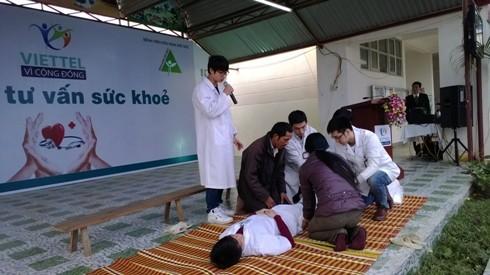 Hơn 600 hộ gia đình tại Điện Biên được khám chữa bệnh miễn phí ảnh 1