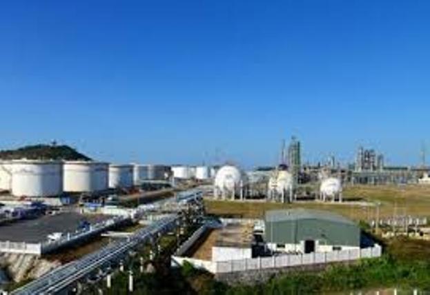 Tháng 10-2020: Nhập khẩu xăng dầu từ Trung Quốc tăng hơn 600% ảnh 1