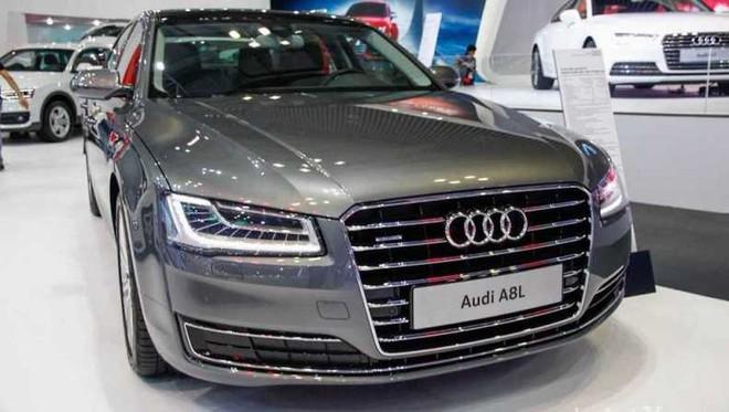 Audi A8 bị lỗi gioăng, có thể gây cháy ảnh 1