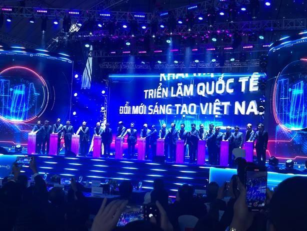 """Thủ tướng Nguyễn Xuân Phúc: """"Không đổi mới sáng tạo, chúng ta sẽ bị mắc kẹt"""" ảnh 1"""