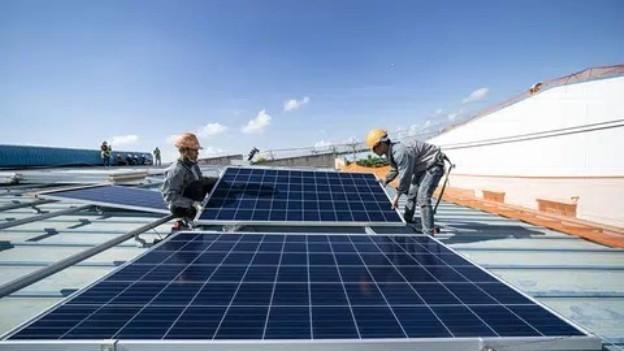 Bộ Công Thương lập đoàn kiểm tra về điện mặt trời áp mái ảnh 1