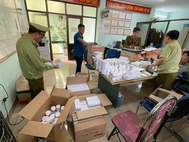 Phát hiện lô dược phẩm Hàn Quốc không hóa đơn, chứng từ đi ra từ kho Cảng hàng không Nội Bài ảnh 1