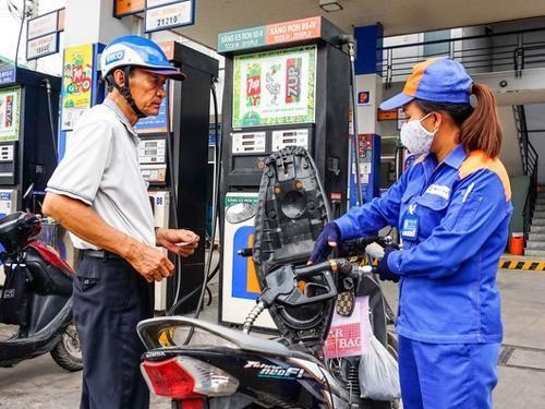 Điều chỉnh giá bán lẻ xăng dầu từ chiều nay ảnh 1