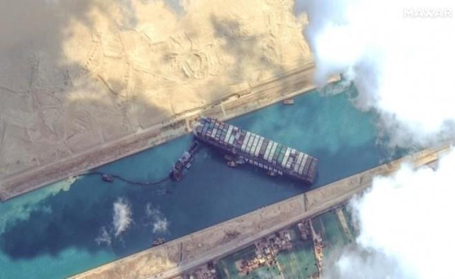 Siêu tàu container mắc kẹt tại kênh đào Suez: Ảnh hưởng tới hoạt động xuất nhập khẩu của Việt Nam ảnh 1