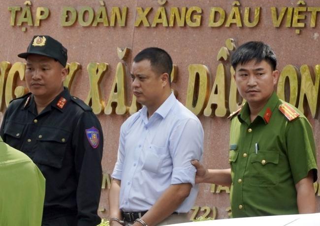 Giám đốc Petrolimex Long An bị bắt: Tập đoàn Xăng dầu Việt Nam nói gì? ảnh 1