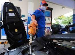 Giá xăng dầu lại đồng loạt tăng mạnh, xăng RON95 tiến sát 20.000 đồng/lít ảnh 1