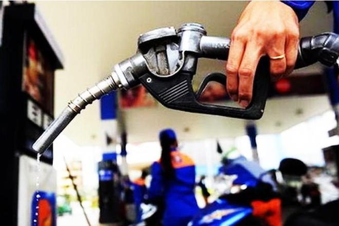 Giá xăng dầu đồng loạt tăng mạnh, xăng RON95 vượt 20.000 đồng/lít ảnh 1
