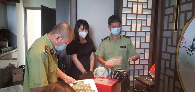 """Hà Nội: Tạm giữ lô hàng """"Đông trùng hạ thảo Tây Tạng"""", chuyên bán livestream qua Facebook ảnh 2"""