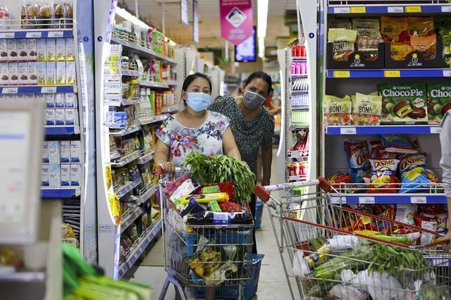 TP HCM ngày 16-7: Trứng gà bán ở cửa siêu thị giá cao gấp 1,5 lần bên trong ảnh 1