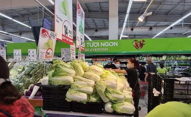 Hà Nội: 72 chợ và siêu thị tạm dừng hoạt động do dịch bệnh, sẽ kích hoạt 2.500 điểm bán hàng lưu động ảnh 1