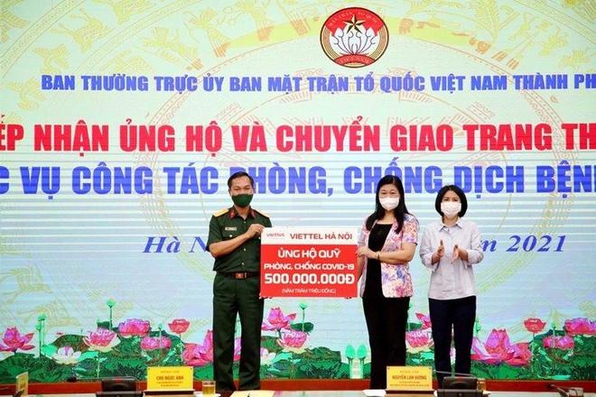 Viettel Hà Nội ủng hộ 500 triệu đồng phục vụ phòng, chống dịch Covid-19 ảnh 1