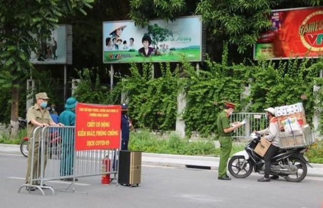Hà Nội: Những doanh nghiệp dịch vụ, thương mại nào được cấp giấy đi đường? ảnh 1