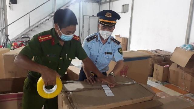Nam Định: Phá kho đồ chơi Trung thu không rõ nguồn gốc lớn nhất từ trước đến nay ảnh 1