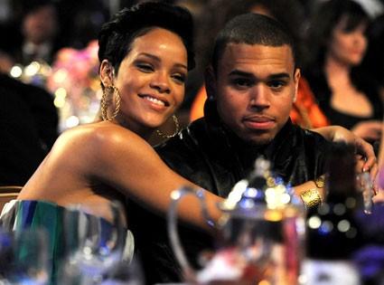 Chris Brown vui vẻ bên bạn gái giữa tin đồn quay lại với Rihanna ảnh 2