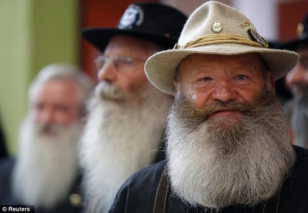 Giải vô địch dành cho những bộ râu ria kỳ lạ ảnh 9