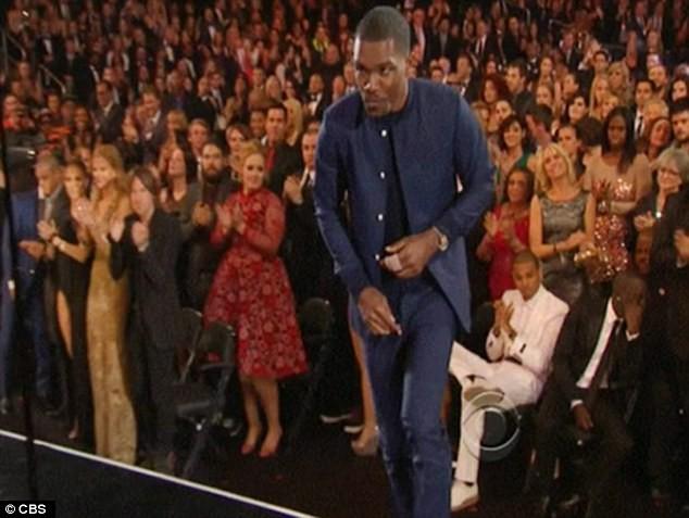 """Adele phủ nhận việc """"to tiếng"""" với Chris Brown ảnh 1"""