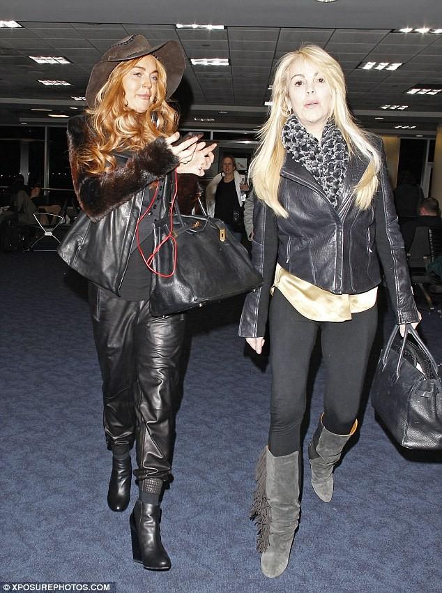 """Lindsay Lohan tự """"ra giá"""" cho bản thân ảnh 3"""