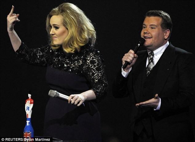 Adele nói ngắn vì sợ... bị ngắt lời ảnh 1