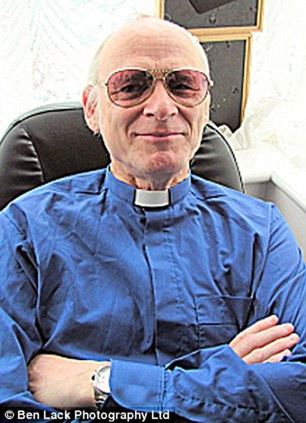 Giáo sĩ nhà thờ xâm phạm tình dục trẻ mồ côi ảnh 1