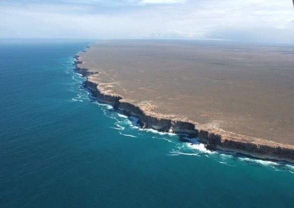Vách đá Bunda: Nơi tận cùng của thế giới? ảnh 1