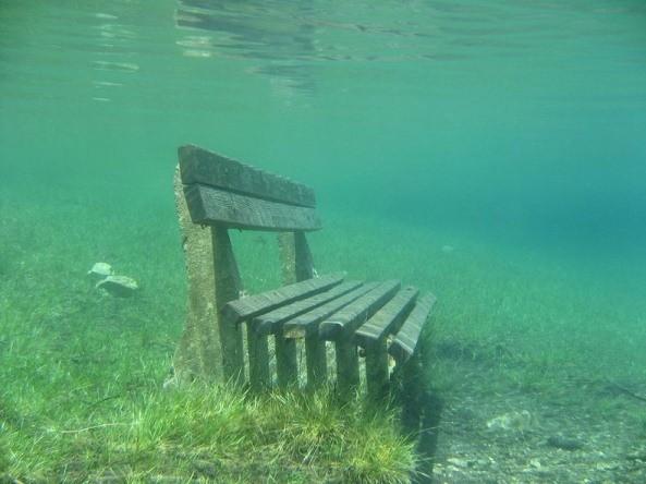 Thú vị: Công viên cứ vào mùa hè lại biến thành hồ nước ảnh 2