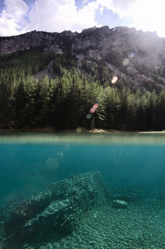 Thú vị: Công viên cứ vào mùa hè lại biến thành hồ nước ảnh 11