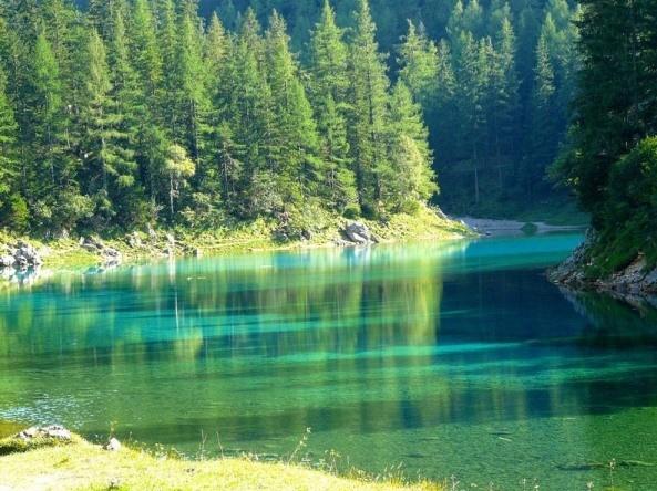 Thú vị: Công viên cứ vào mùa hè lại biến thành hồ nước ảnh 10