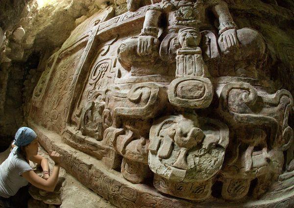 Phát hiện tuyệt tác khổng lồ của đế chế Maya ảnh 3
