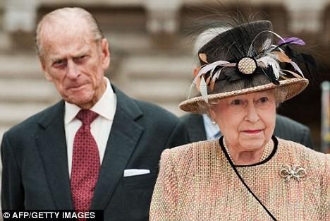 Nữ hoàng và Công tước khai mạc thế vận hội Olympic 2012 ảnh 1