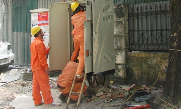 Điện lực Ba Đình nỗ lực đảm bảo an toàn cung cấp điện ảnh 1